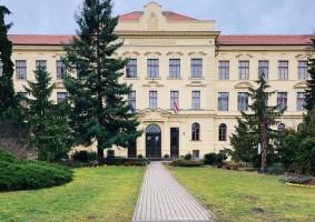 تجربة الدراسة في هنغاريا (1)